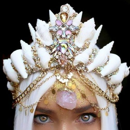 Beautiful Seashell Crowns (16 Photos)
