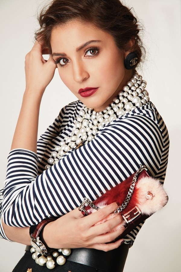 anushka-sharma-photoshoot-for-elle-magazine-october-2016- (7)