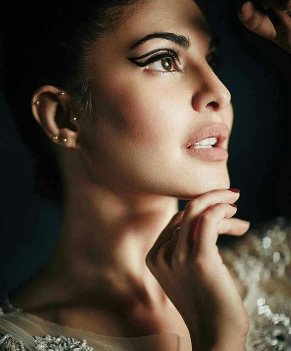 jacqueline-fernandez-photoshoot-for-lofficiel-magazine-october-2016- (1)
