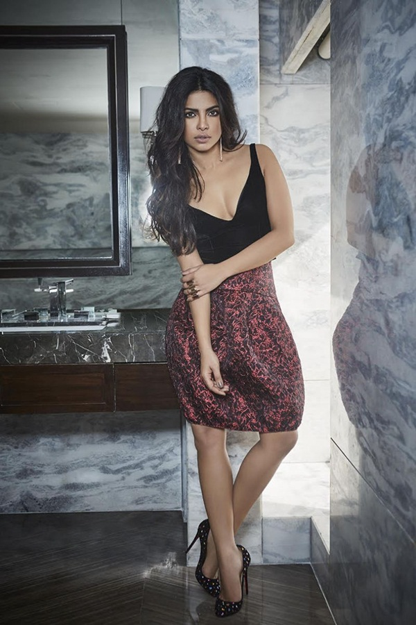 priyanka-chopra-photoshoot-for-filmfare-magazine-october-2016- (6)