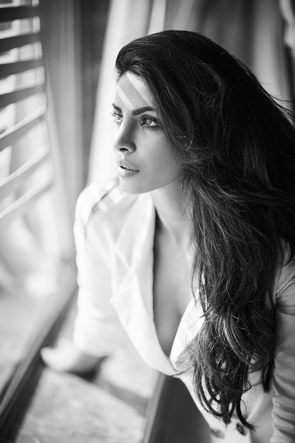 priyanka-chopra-photoshoot-for-filmfare-magazine-october-2016- (8)