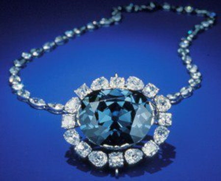blue-diamond-jewelry- (16)