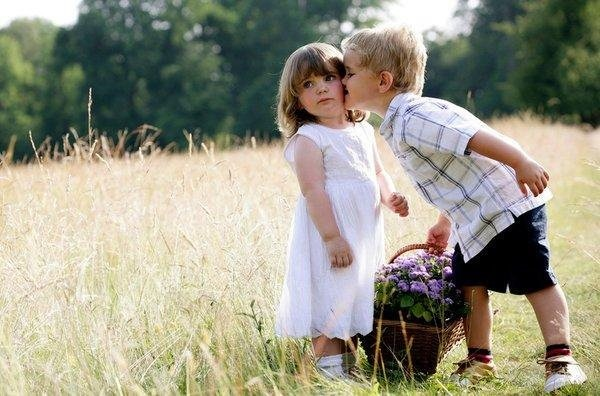 cute-babies-kisses- (17)