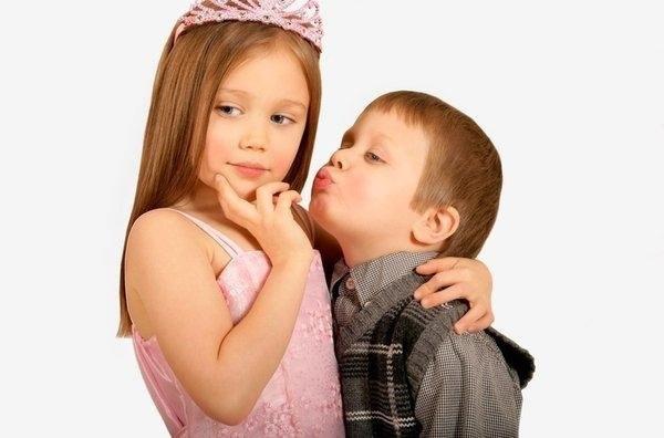 cute-babies-kisses- (9)