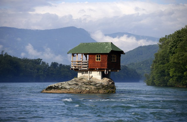 strange-homes-around-the-world- (18)