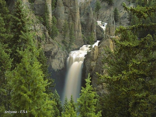 photos-of-beautiful-waterfalls-around-the-world- (31)