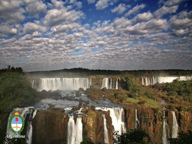 photos-of-beautiful-waterfalls-around-the-world- (32)