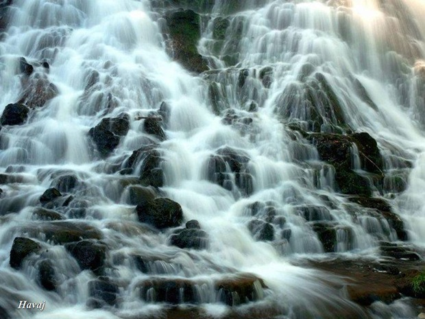 photos-of-beautiful-waterfalls-around-the-world- (35)