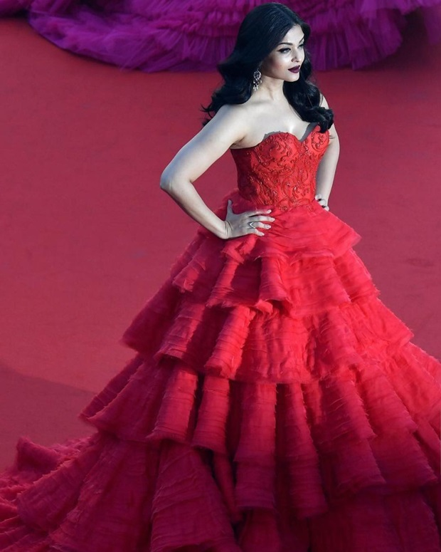aishwarya-rai-in-red-gown-at-cannes-film-festival-2017- (6)