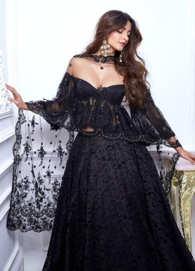 sonam-kapoor-stunning-photoshoot-for-shehla-khan-collection- (2)