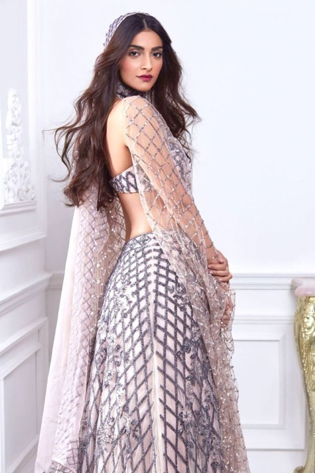 sonam-kapoor-stunning-photoshoot-for-shehla-khan-collection- (3)