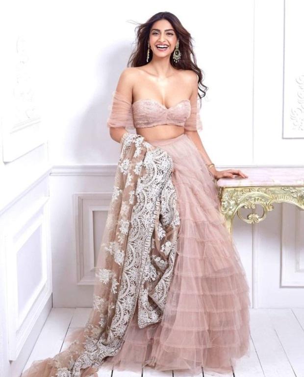 sonam-kapoor-stunning-photoshoot-for-shehla-khan-collection- (5)