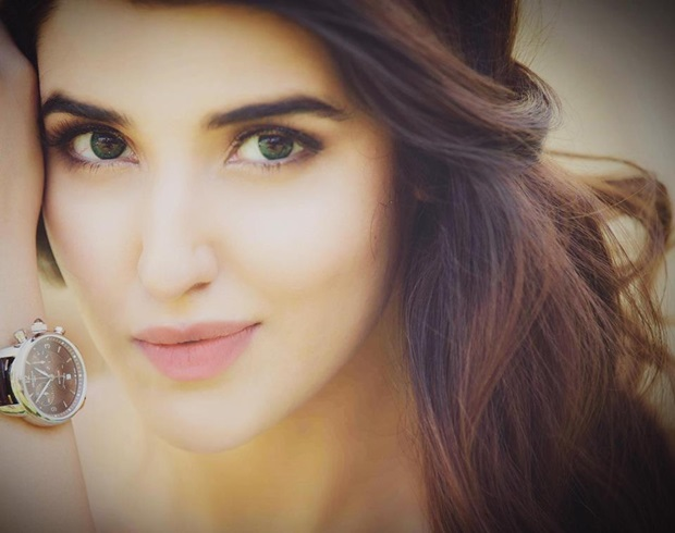 beautiful-pakistani-actress-hareem-farooq-photos- (6)