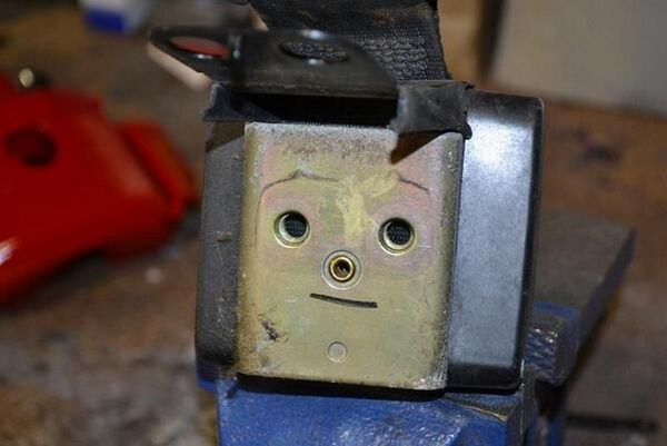 funny-face-on-inanimate-objects- (8)