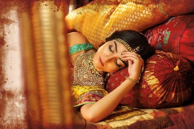 maya-ali-photoshoot-for-nomi-ansar-bridal-wear- (6)
